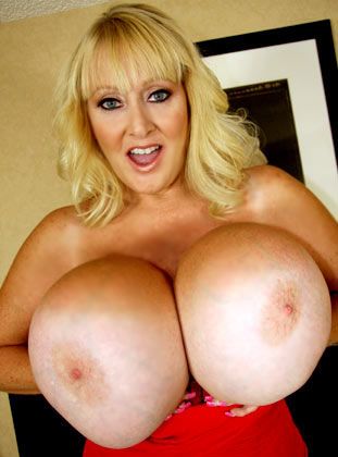 Hot Blonde Mom Kayla Kleevage Showing Her Massive Naked Tits