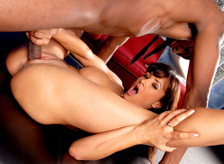 Hot Milf Lisa Ann Being Fucked By Black Guy